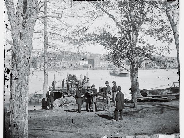 Washington Dc Guards At Ferry Landing On Masons Island Examining A Pass Civil War