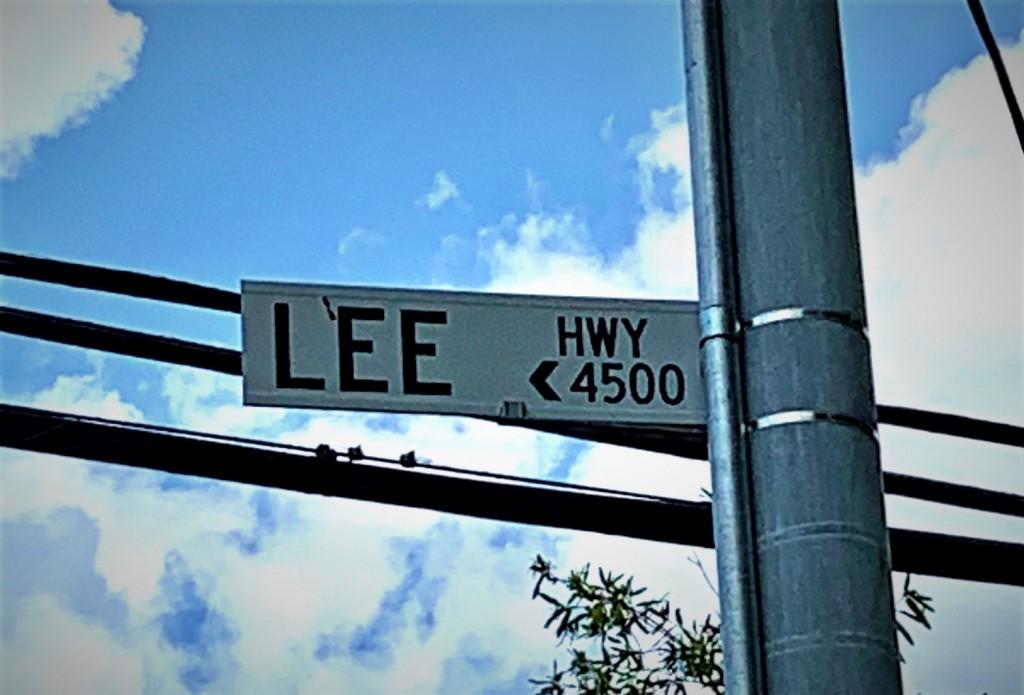 Lee Hwy Sign