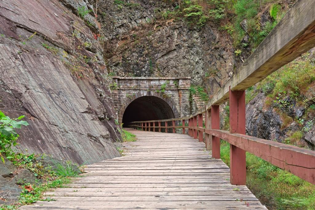 Paw Paw Tunnel Hdr 21296984493 Nicolas Raymond