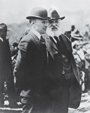 Lt. Thomas E. Selfridge with Alexander Graham Bell. Courtesy of the U.S. Army